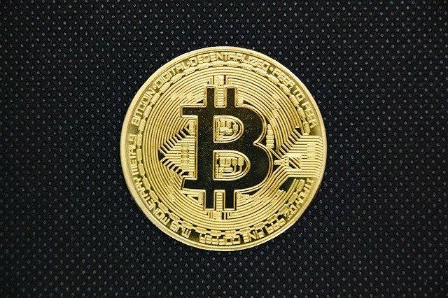 bitcoin-4912863_640